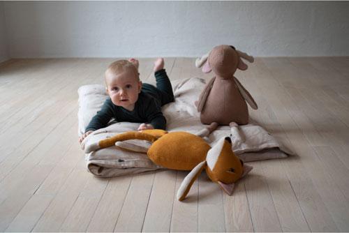 peluche tricotée pour bébé